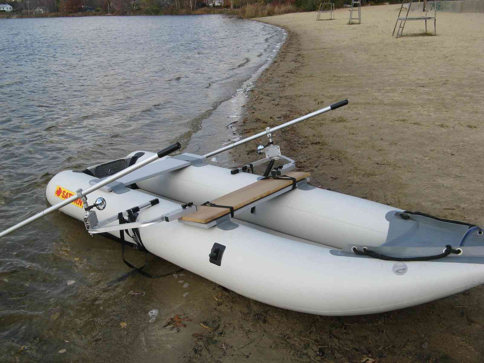 Sailboats to go rowing inflatable boats for Blow up boat for fishing